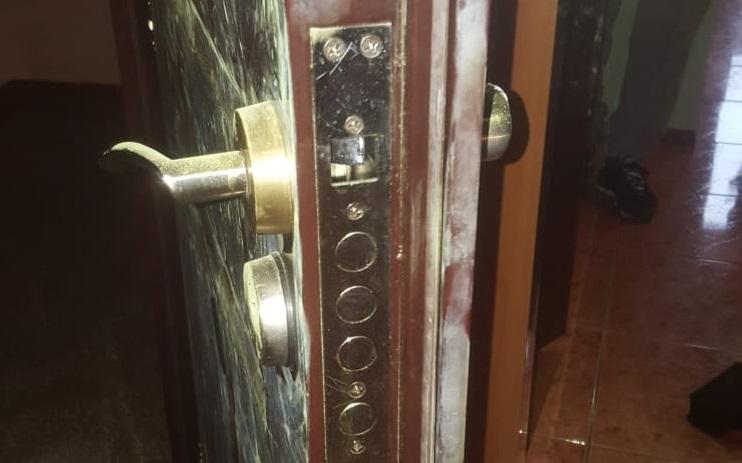 Hotii care au spart mai multe case si au plecat cu un seif cu bani, au fost prinsi